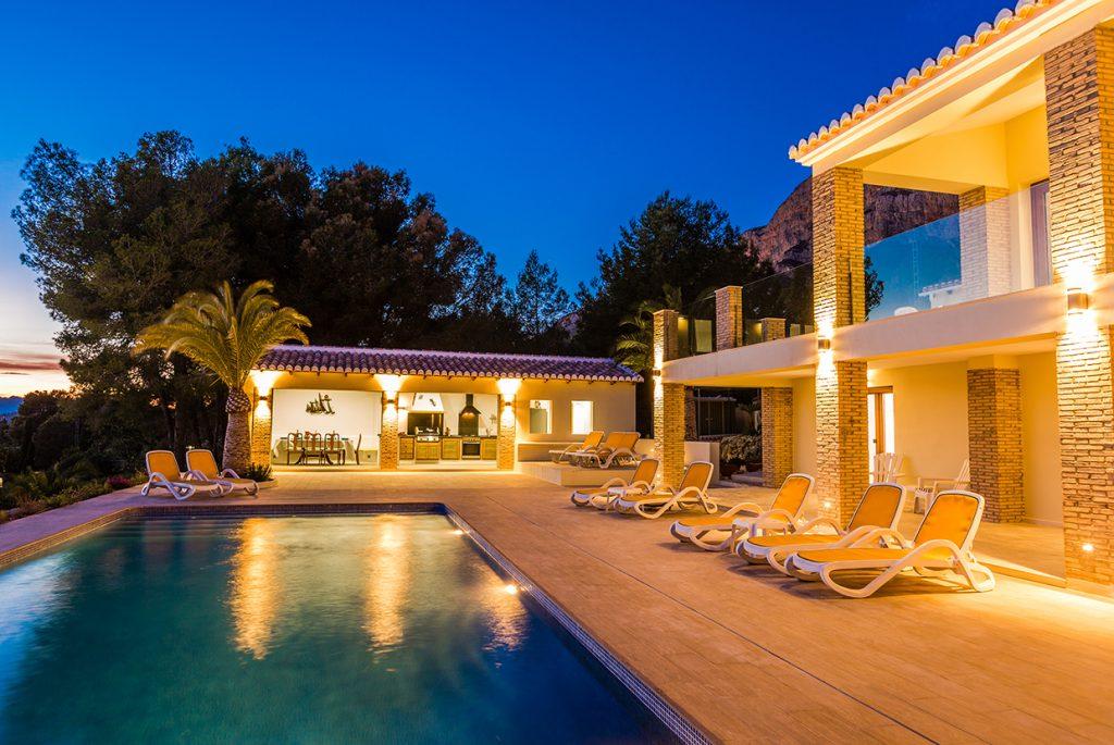 La Casa Tranquilla at Night