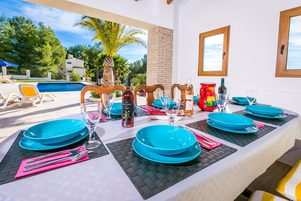 Large Outdoor Dining Space