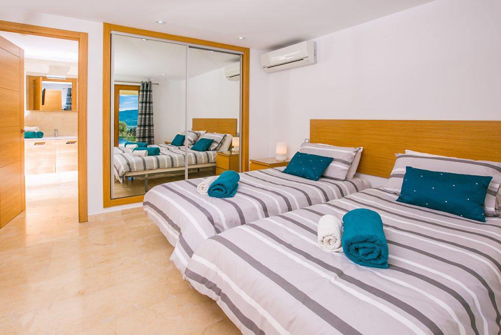 Rafalet Twin Bedroom